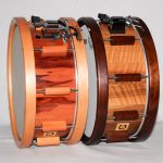 snaredrum classic select pear with woodhoops 14x6 (left) cl. selecht nut with woodhoops 14x6 (right)